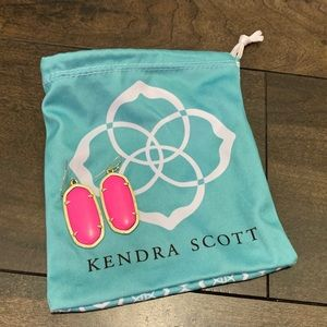 Kendra Scott Elle Gold Drop Earings in Magenta!